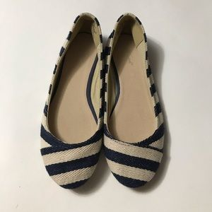 Wanted Blue and White Flats 6.5
